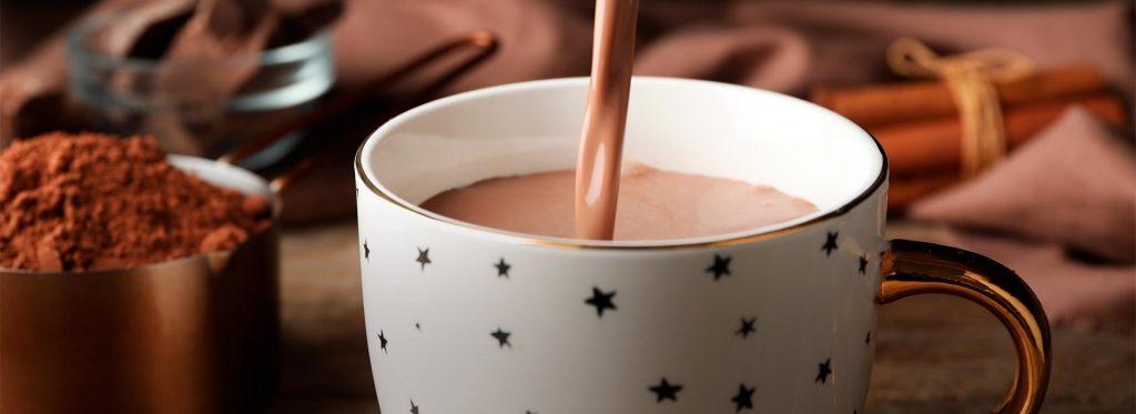 Prepara un delicioso chocolate con leche navideño